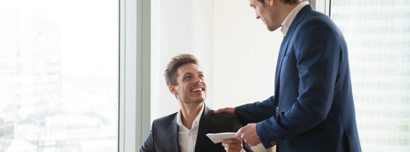 Mitarbeiter werben Mitarbeiter - So funktioniert es - CLEVIS
